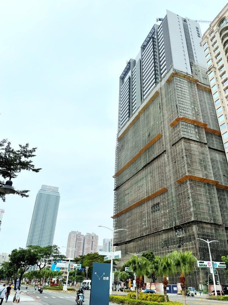 仁德二空新村B區1.2萬坪都市更新招標 理銘開發44.52億元得標